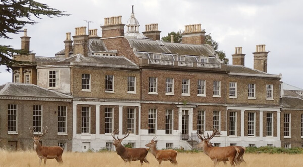 hampton-court-house-school-review
